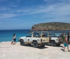Un tour de l'île à la carte en 4×4: voir Ibiza de l'intérieur.